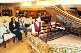 Ambassador Barnes of Jamaica Visits Min-On Culture Center