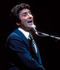 Gilbert Becaut, French pop singer in 1971
