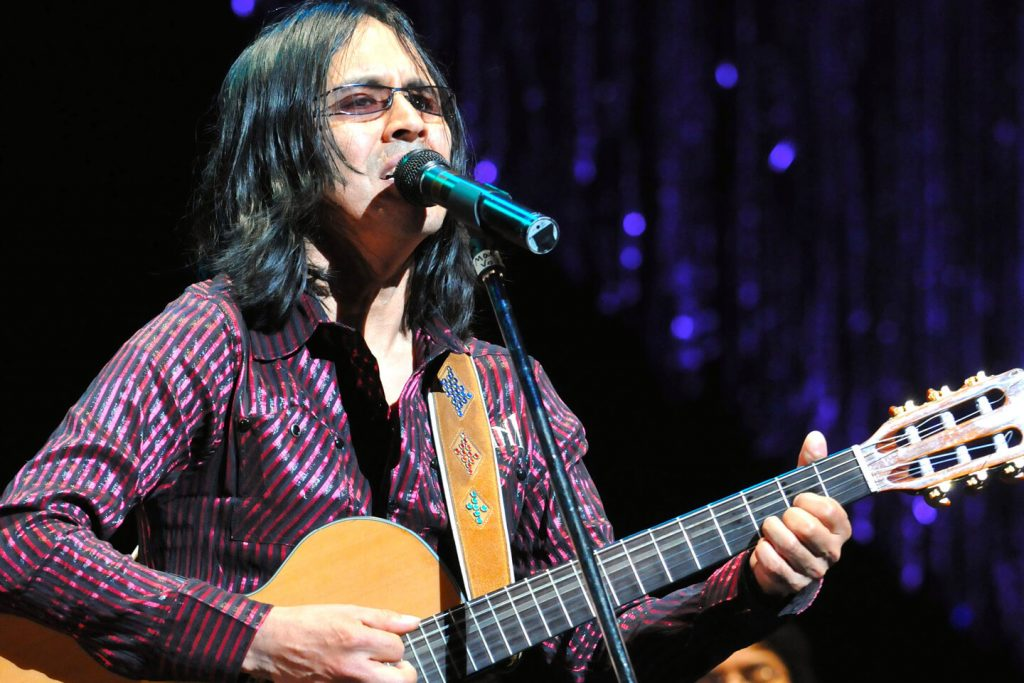 Modern Andean folk musician Mac Salvador