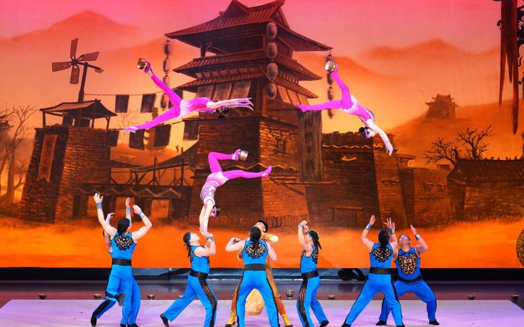 The China National Acrobatic Troupe Mesmerizes Audiences throughout Japan