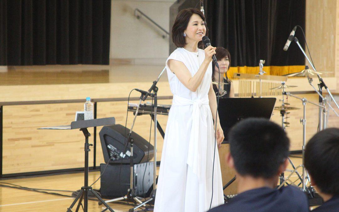 Seventy-sixth Tohoku Hope Concert Held at Takata-higashi Middle School